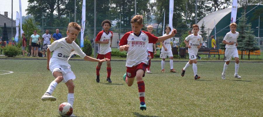 W meczu Zagłębia Lubin (białe stroje) z West Bromwich Albion był remis 0:0