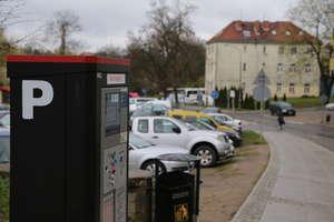 Parkowanie kością niezgody. Wojewoda nie zgadza się na ulgi dla mieszkańców Olsztyna, a prezydent Grzymowicz zapowiada walkę