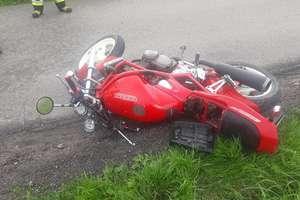 20-letni motocyklista ranny w wypadku