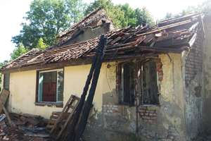 Spłonął budynek starej szkoły w Kolnie