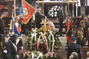 Odbył się pogrzeb 23-letniego strażaka z Dobrego Miasta [ZDJĘCIA]