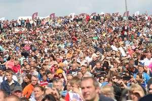 Ilu w Polsce jest Nowaków, a ilu Brzęczyszczykiewiczów? Sprawdź, ile osób nosi takie samo nazwisko jak ty