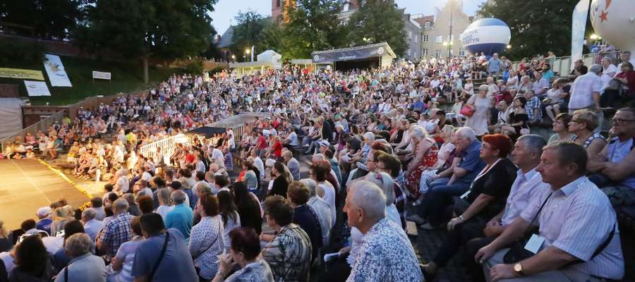 Takich tłumów w tym roku w olsztyńskim amfiteatrze raczej nie zobaczymy