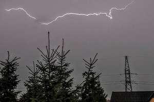 Burza właśnie dotarła do Olsztyna. Na południu województwa grzmi już od kilku godzin
