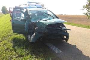 Pod Łankiejmami zderzyły się trzy pojazdy. Jedna osoba w szpitalu