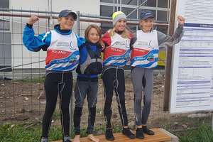 Młodzi żeglarze iławskiego klubu znów na podium! Tym razem na Mistrzostwach Polski w Giżycku