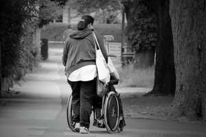 Niepełnosprawni mogą liczyć na pomoc asystenta