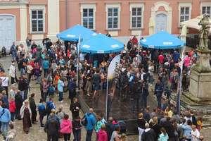 W Lidzbarku Jacek Kurski widział tłumy, jego przeciwnicy tłumek