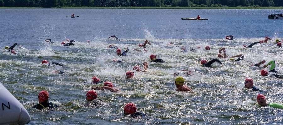 Zmagania pływackie Garmin Iron Triathlon odbyły się na Jeziorze Gołdap