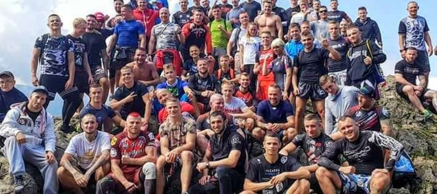 """Tomasz Kalinowski z """"zakopiańską"""" ekipą Arrachionu"""