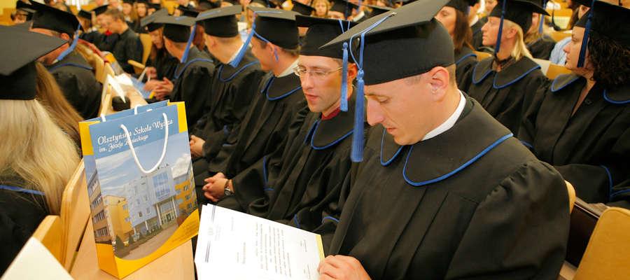 Olsztyńska Szkoła Wyższa im. Józefa Rusieckiego przyjmuje kandydatów na studia I i II stopnia, jednolite magisterskie i podyplomowe, w trybie stacjonarnym i niestacjonarnym