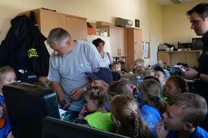 Przedszkolaki poznały tajniki pracy ostródzkich policjantów