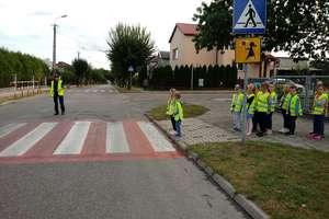 Policjantki i dzielnicowy rozmawiali z przedszkolakami o bezpieczeństwie