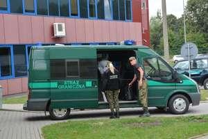 Funkcjonariusze SG zatrzymali 4 Polaków i 3 Rosjan, poszukiwanych przez sądy