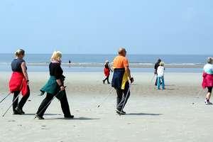 Poznaj poprawną technikę chodzenia z kijkami. Zapraszamy na Marsz Nordic Walking