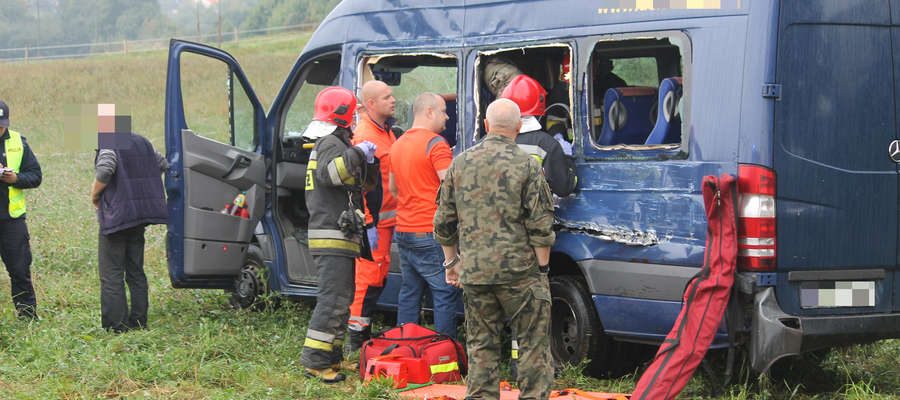 Akcja ratownicza po wypadku na DK 57 tuż koło Bisztynka.