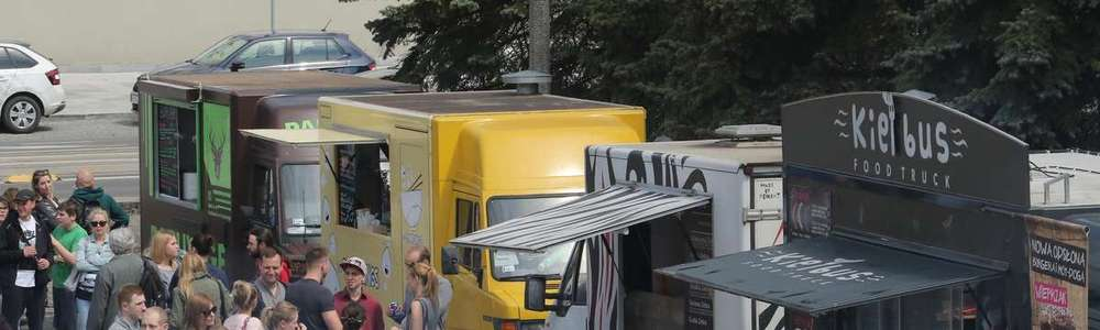 Zdjęcie ilustracyjne — II Festiwal food trucków w Olsztynie - Plac Dunikowskiego
