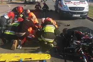 Zderzenie samochodu z motocyklem. Dwie osoby w szpitalu