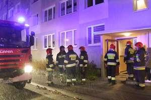 Szokująca tragedia w mieszkaniu przy ul. Pana Tadeusza. Nie żyje jedna kobieta, a mężczyzna trafił do szpitala