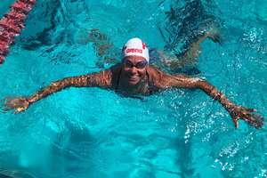 Płynąca z delfinami, czyli Żelazna Dama Mazur na Hawajach