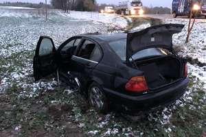 Wypadek na DK-57. BMW dachowało [ZDJĘCIA]