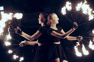 Zaduszki z teatrem ognia