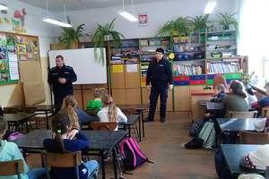 Spotkanie uczniów z policjantami w Szkole Podstawowej im. Jana Brzechwy w Wojciechach
