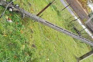 Trąba powietrzna w Glądach powalała jak zapałki słupy energetyczne