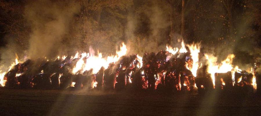Walka z pożarem w Dąbrównie trwała ponad osiem godzin