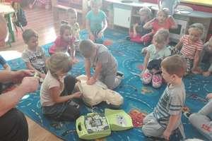 Przedszkolaki z Bezled uczyły się zasad udzielania pierwszej pomocy