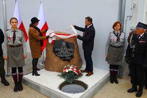 W Biskupcu Pomorskim był patriotyczny apel i zakopano Kapsułę Czasu, która ma być otwarta za sto lat
