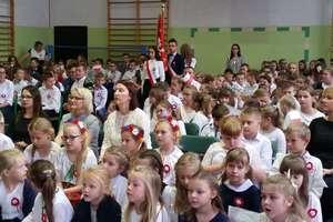 Z dumą i radością uczczono 11 listopada w szkole w Marzęcicach