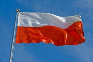 Śpiewaj hymn poprawnie, pamiętaj o szacunku do flagi!