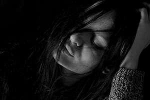 Brak akceptacji rodzi ból, który trzeba jakoś uśmierzyć