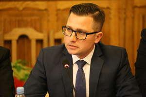 """Wybieramy """"Samorządowca 2020"""". Michał Kochanowski: Praca w samorządzie to gra zespołowa"""