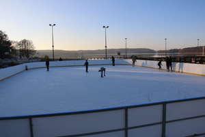 Zima na sportowo. W Olsztynie ruszają lodowiska