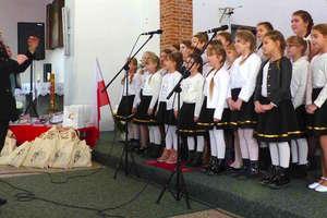 Patriotyczne śpiewanie w tereszewskim kościele