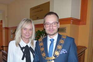 Dawid Kopaczewski już oficjalnie burmistrzem Iławy. A kto przewodniczącym (i wice) rady miasta? Sprawdź [WIDEO, ZDJĘCIA]
