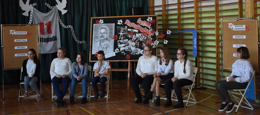 Podczas gminnego konkursu w szkole w Marzęcicach