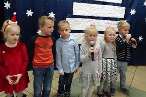 Kiermasz bożonardzeniowy w  szkole  w Tuszewie