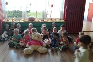 Dzień Pluszowego Misia w przedszkolu w Bezledach