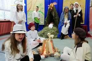Jest taki dzień..., czyli tradycyjne jasełka w szkole w Bezledach