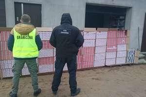 Nielegalna fabryka papierosów rozbita. Zatrzymano pięciu obywateli Polski