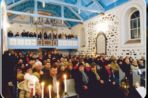 Świąteczny koncert kolęd w kościele w Glaznotach
