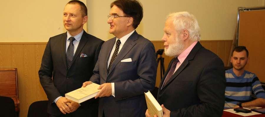 """Na sesji zaprezentowana zostanie książka Augusta Klemensa Popławskiego """"Ludzie dnia wczorajszego"""""""