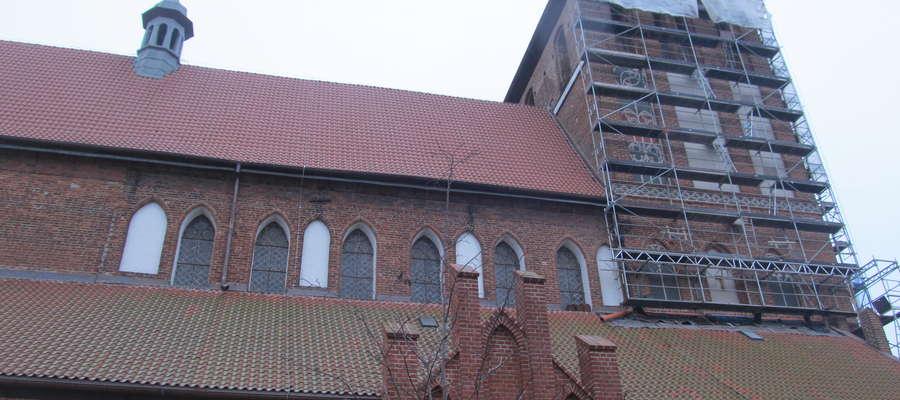 Prace konserwatorskie w kościele i na nim zaczęły się w marcu. Według założeń, potrwają do przyszłej jesieni