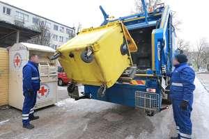 Wraz z nowymi uprawnieniami straży miejskiej wraca kwestia segregacji śmieci. Czy większą odpowiedzialność powinni na siebie wziąć producenci? [SONDA]