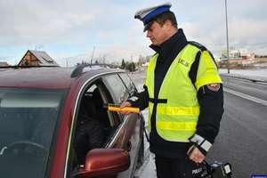 """Działania:  """"Alkohol i narkotyki"""" - Skontrolowali 120 kierowców, jeden był nietrzeźwy"""