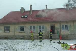 Pożar w budynku wielorodzinnym. Trwa akcja ratunkowa