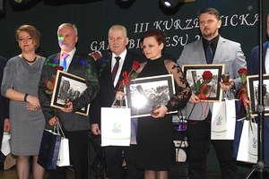 Nagrodzono laureatów trzeciej edycji Kurzętnickiej Gali Biznesu